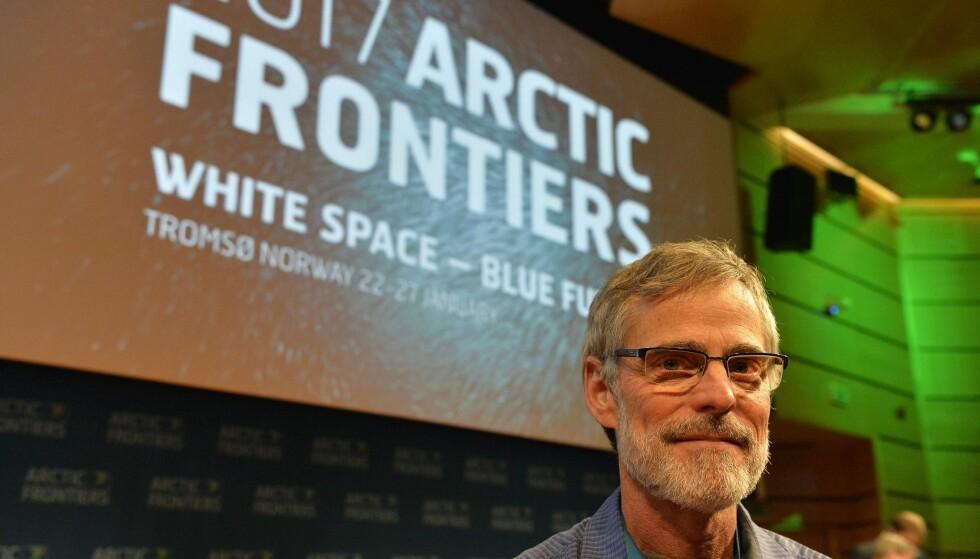 DEKKER KONFERANSEN: Tom Yulsman fra Colorado, USA, er i Tromsø for å dekke konferansen Arctic Frontiers, som pågår til fredag. Foto: Terje Mortensen