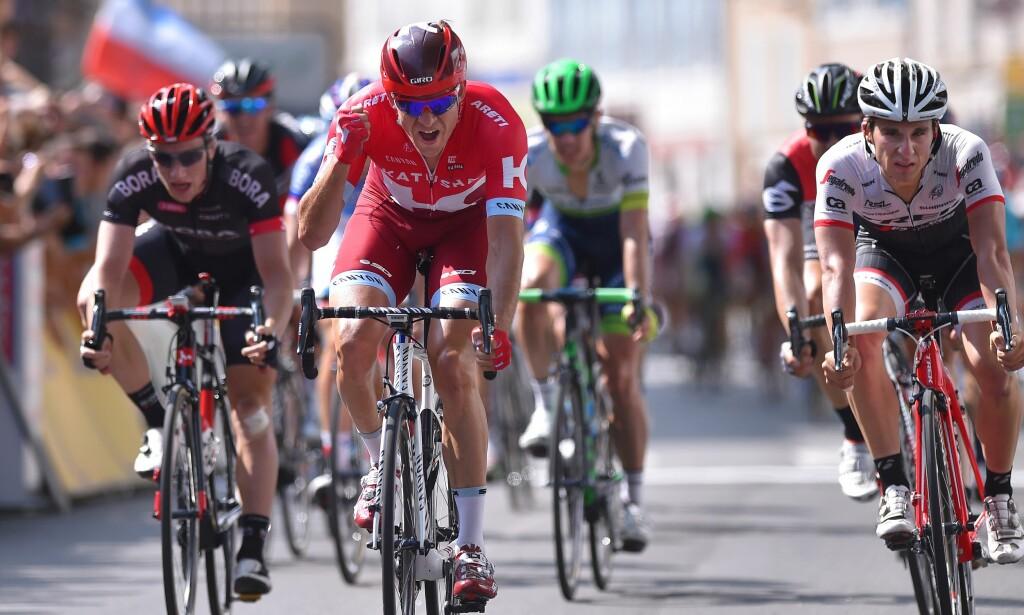 NEDTUR: Raseri over målstreken på Criterium du Dauphinés 3.etappe da Kristoff vant spurten i feltet etter at Fabio Aru vant solo. Liknende utfall skjedde rammet nordmannen også i Paris-Nice og Grand Prix Plouay. FOTO: Tim de Waele (©TDWSport.com)