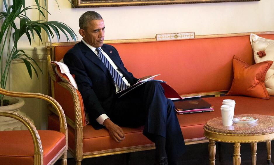 BOKORMEN: Obama har i et intervju fortalt at han tidligere har brukt skriving som terapi for å få sortert tankene sine. Foto: Pete Souza / NTB Scanpix