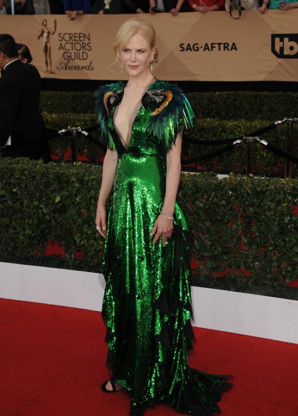 I GRØNT: Skuespiller Nicole Kidman vekket oppsikt i en grønn paljettkjole fra Gucci. Foto: Globe-ZUMA / NTB Scanpix