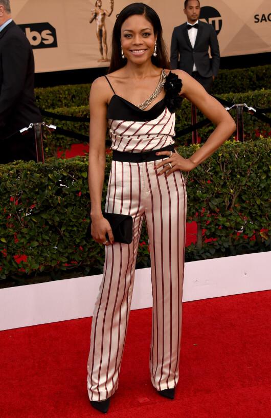 STRIPETE: Naomie Harris var original i stripete topp og bukse fra Lanvin. Foto: NTB Scanpix