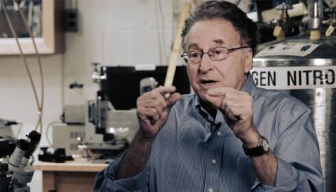 INN I HISTORIEBØKENE?: Isaac F. Silvera er forskeren som potensielt står bak et av historiens store gjennombrudd. Foto: Skjermdump