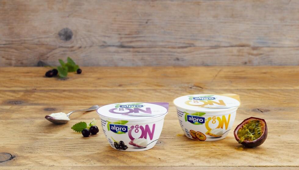 GO ON: Soyabasert alternativ til kvarg med fruktupré av solbær eller pasjonsfrukt.