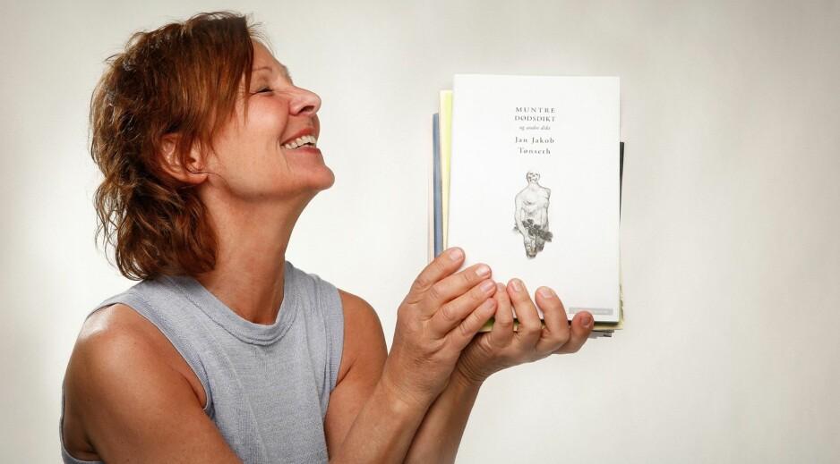 DIKTAFON: Annelita Meinich har utviklet NRKs program om poesi til å bli et kjærkomment, litterært pustehull i statskanalen. Foto: NRK