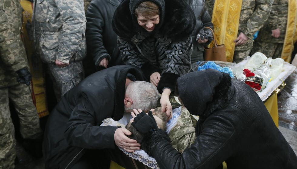 NÅ OGSÅ TRUMPS KRIG: Nok en ukrainsk soldat er død i krigen i Øst-Ukraina. Foto: REUTERS / NTB / Scanpix