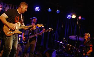 TILBAKE: Lørdag spilte Guy Forsyth Trio på Buckleys i Oslo. Foto: Øyvind Rønning / Dagbladet