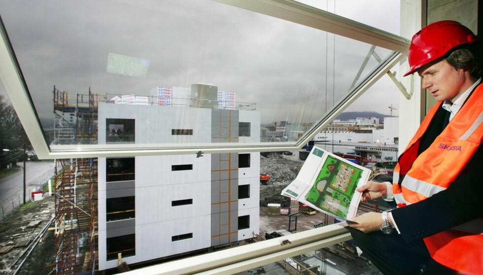 NY FORSKRIFT: Et nytt forslag til byggteknisk forskrift, TEK17, innebærer lavere krav til dagslys og oppbevaringsplass i boliger. Forskriften kan føre til lavere bokvalitet i et presset marked, skriver artikkelforfatteren. Her fra utbygging av Frydenberg ved Carl Berners Plass i Oslo. Foto: NTB Scanpix