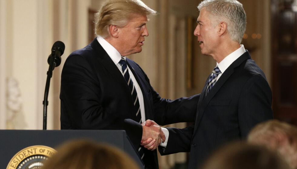 SKUFFET: Neil Gorsuch er skuffet over presidentens ordbruk i omtalen av dommere og domstolene. Foto: Kevin Lamarque/Reuters/NTB Scanpix