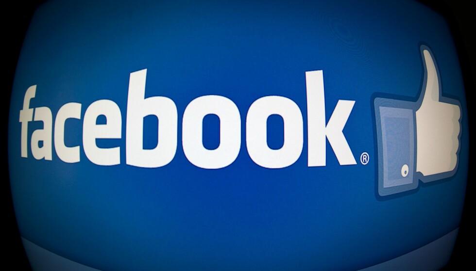 AVSLØRENDE «LIKES»: I 2013 viste en forskningsrapport at «Likes» på Facebook avslører mer om en bruker enn man skulle tro. Mønstre i hva man liker ga overraskende nøyaktige prediksjoner av personens kjønn, rase alder og IQ. De matematiske modellene klarte med 88 prosent nøyaktighet å skille menn fra kvinner, og med 95 prosent nøyaktighet å skulle afroamerikanere fra hvite kun ved å analysere likes. Foto: AFP PHOTO / Karen BLEIER / NTB SCanpix