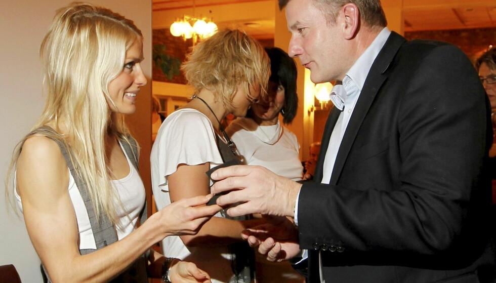<strong>VANSKELIG:</strong> Erik Røste sier at han syns det er tøft å ikke kunne stille opp for Therese Johaug mens hun er utestengt. Foto: NTB Scanpix