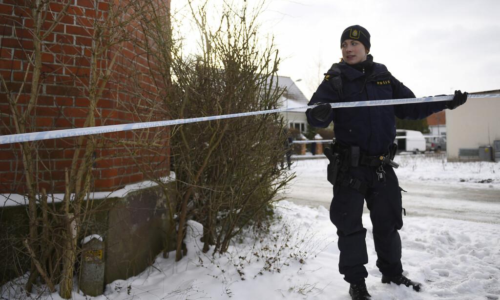 Tre personer ble funnet døde i en villa i Skurup kommune i Skåne i går. Nå er en person pågrepet og mistenkt for trippeldrap. Foto: TT / NTB Scanpix