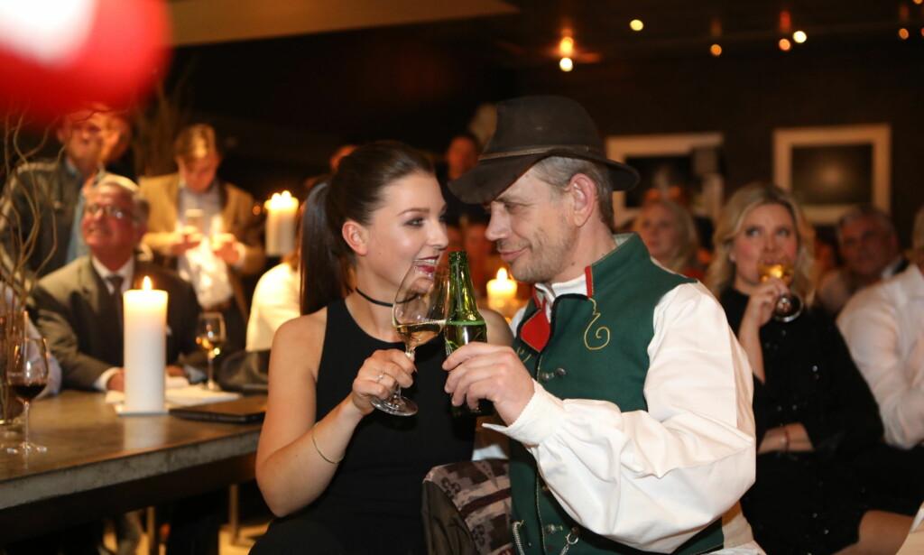 FINALE-SKÅL: Finalistene Ida Gran-Jansen og Leif Einar Lothe skåler på finalefesten. Foto: Christian Roth Christensen / Dagbladet