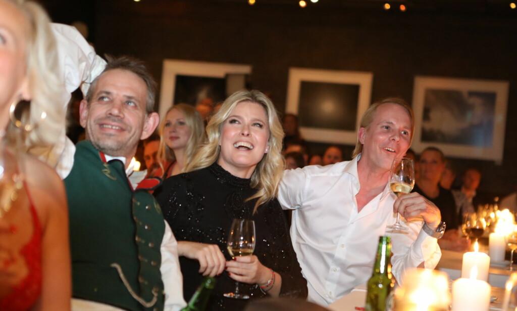 KOSTE SEG: Leif Einar Lothe, Vendela Kirsebom og Petter Pilgaard på rad og rekke på finalefesten. Foto: Christian Roth Christensen / Dagbladet