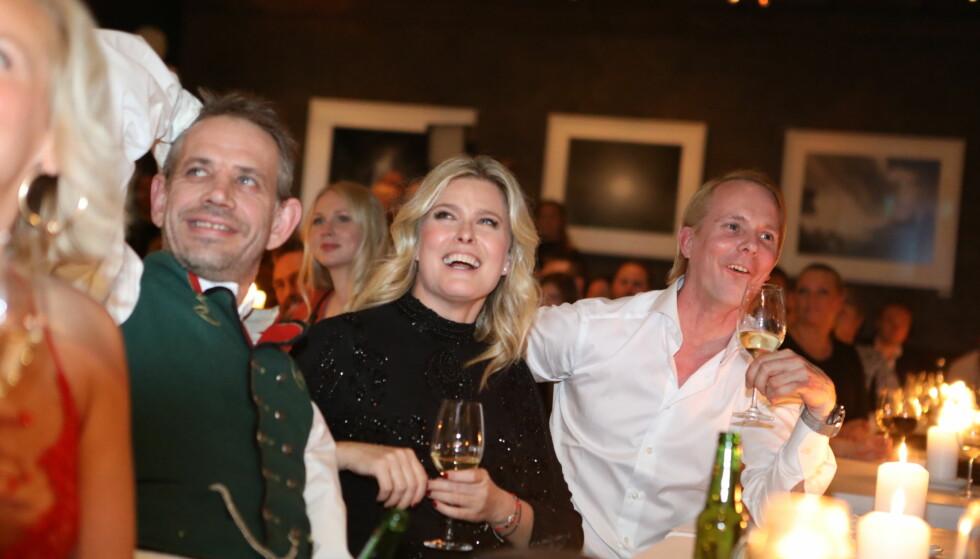 <strong>KOSTE SEG:</strong> Leif Einar Lothe, Vendela Kirsebom og Petter Pilgaard på rad og rekke på finalefesten. Foto: Christian Roth Christensen / Dagbladet&nbsp;