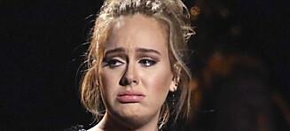 Adele avbrøt George Michael-hyllest og begynte å banne