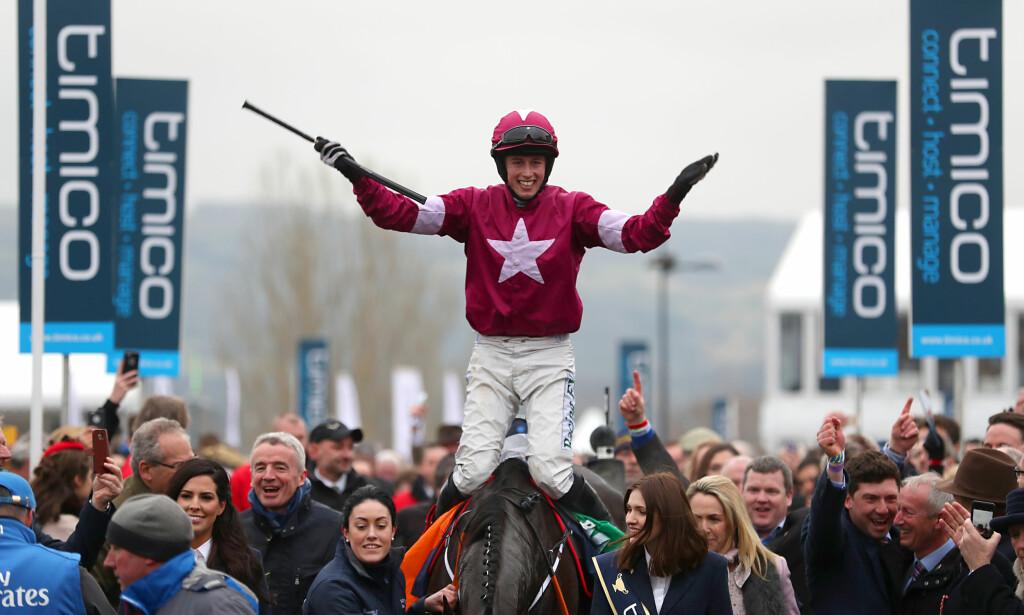 VANT: Bryan Cooper og hesten Don Cossack feirer seieren i fjor. Foto: NTB Scanpix
