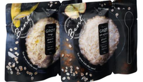 SMART: Berit Nordstrand lanserer to grøtvarianter i pose. Skje følger med. Foto: Produsenten