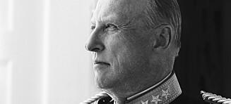 Stor bildespesial: Krig, konflikt og kampen for kjærligheten - i dag fyller han 80 år