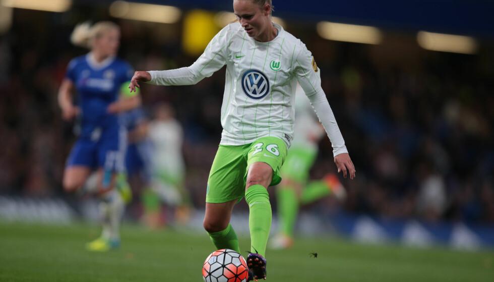 TILBAKE: Caroline Graham Hansen var tilbake på banen for Wolfsburg søndag. Her i aksjon mot Chelsea 5. oktober i fjor. Foto: NTB Scanpix