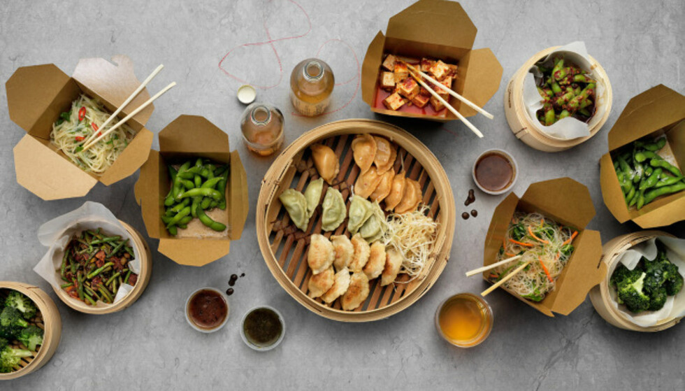 BEIJING 8: Svensk dumpling-kjede selger ferdige dumplings du kan lage selv - hjemme. I pene bokser. Men grønnsakene på bildet må du stå for selv.
