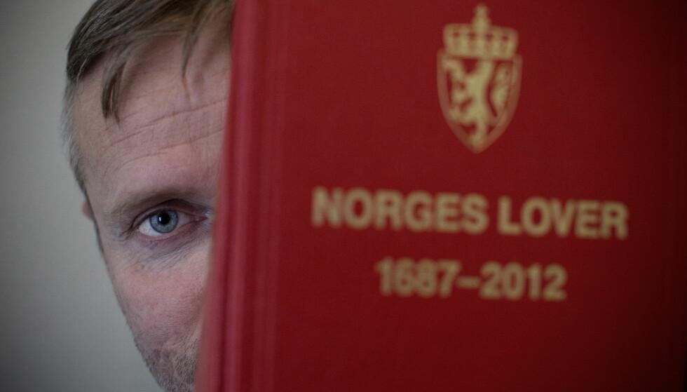PUGGER: Jørgen Arne Skarsvåg bruker mye tid på å lære Norges lover. Foto: Tomm W. Christiansen / Dagbladet