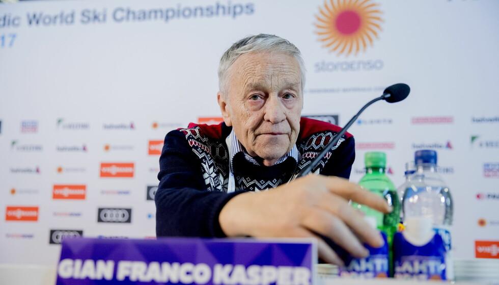 FOR STRENGE STRAFFER: FIS-president Gian Franco Kasper på dagens pressekonferanse.   Foto:  Bjørn Langsem / Dagbladet