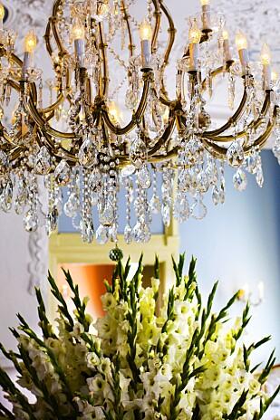 MICHELINMAT: Bocuse d'Or-vinner Bent Stiansen serverer moderne gourmetmat under lysekronene i Statholdergaarden. FOTO: NTB/Scanpix