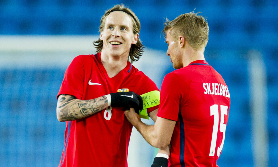 NY KAPTEIN: Det norske landslaget trenger en ny kaptein. Nils Johan Semb utelukker ikke at en av de yngre gutta kan få æren av å ta over kapteinsbindet. Foto: Vegard Wivestad Grøtt / NTB scanpix