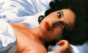 DEN GANG DA: En ung og lovende Isabella Rossellini spilte i 1986 i «Blue Velvet», som i dag er å regne som en kultfilm. I dag mener Rossellini at det er vanskelig for eldre kvinner i Hollywood å finne arbeid. Foto: NTB scanpix