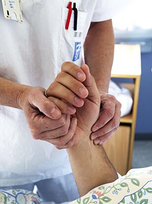 BEKYMRET: 14 prosent av pasientene i spesialisthelsetjenesten får en eller annen form for pasientskade, viser statistikken. Det bekymrer helsedirektøren. Foto: NTB Scanpix