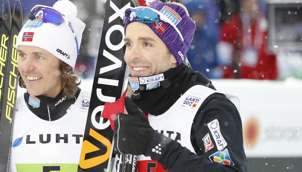 SØLVGUTTER: De norske herrene gratulerer hverandre etter sølvet. Foto: Bjørn Langsem / Dagbladet