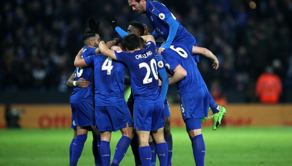 FEIRET MÅL: Danny Drinkwater og resten av Leicester City-laget. Foto: NTB Scanpix