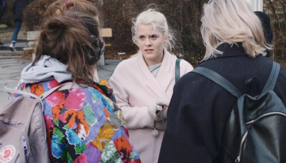 PRISBELØNT: NRK-suksessen «Skam» er blitt belønnet med Sanitetskvinnenes hederspris for sitt for å ta opp viktige temaer. Foto: NRK