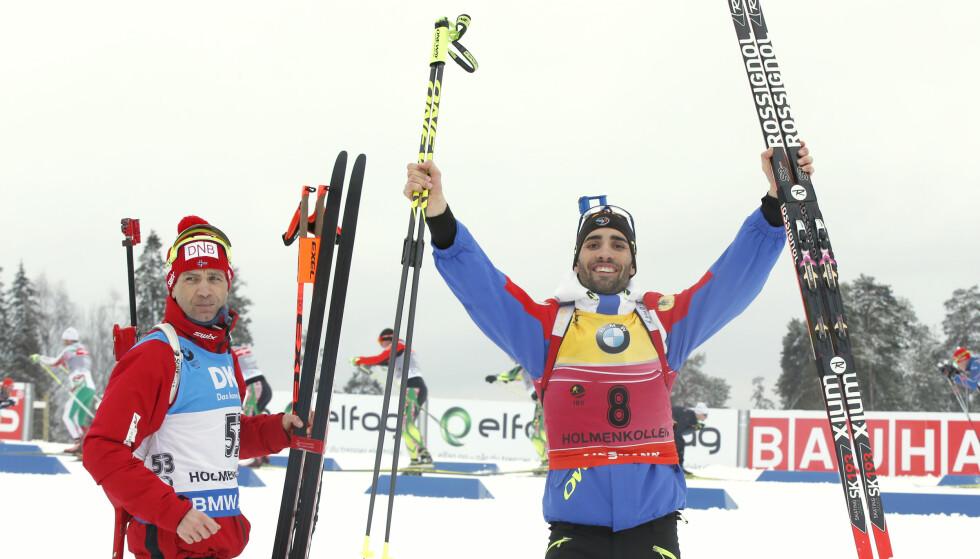 TANGERTE BJØRNDALEN: Franske Martin Fourcade (til høyre) tangerte Ole Einar Bjørndalens rekord med antall verdenscupseire i én sesong. Her med veteranen Bjørndalen under VM i Oslo i fjor. Foto: Vidar Ruud / NTB scanpix