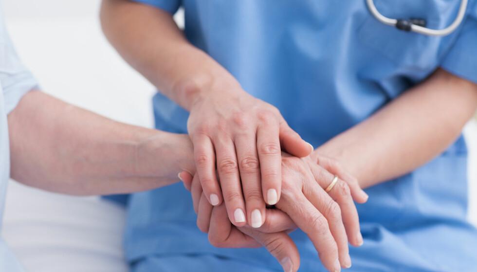 KRAV: Regjeringen vil stille strengere krav til dem som ønsker å utdanne seg til å bli sykepleiere. Illustrasjonsfoto: Shutterstock