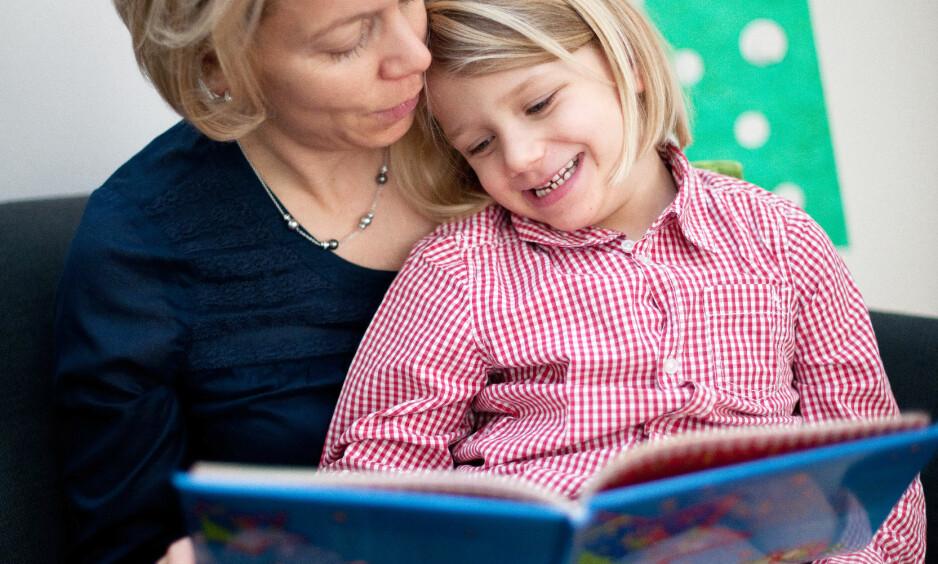 VIKTIG: Hva slags litteratur barn og unge skal lese, og hva slags språk vi kan forvente å møte i skolen, er spørsmål som angår hele samfunnet. Illustrasjonsfoto: Jan Haas / NTB scanpix