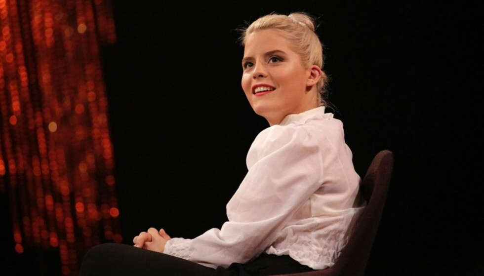 ÆRLIG: «Skam»-skuespiller Ulrikke Falck (20) går hardt ut mot pornokulturen i et leserinnlegg hos Aftenposten på kvinnedagen. Samtidig skylder hun på dårlig undervisning for manglende sex-forståelse i ungdomsåra. Foto: Julia Marie Naglestad / NRK