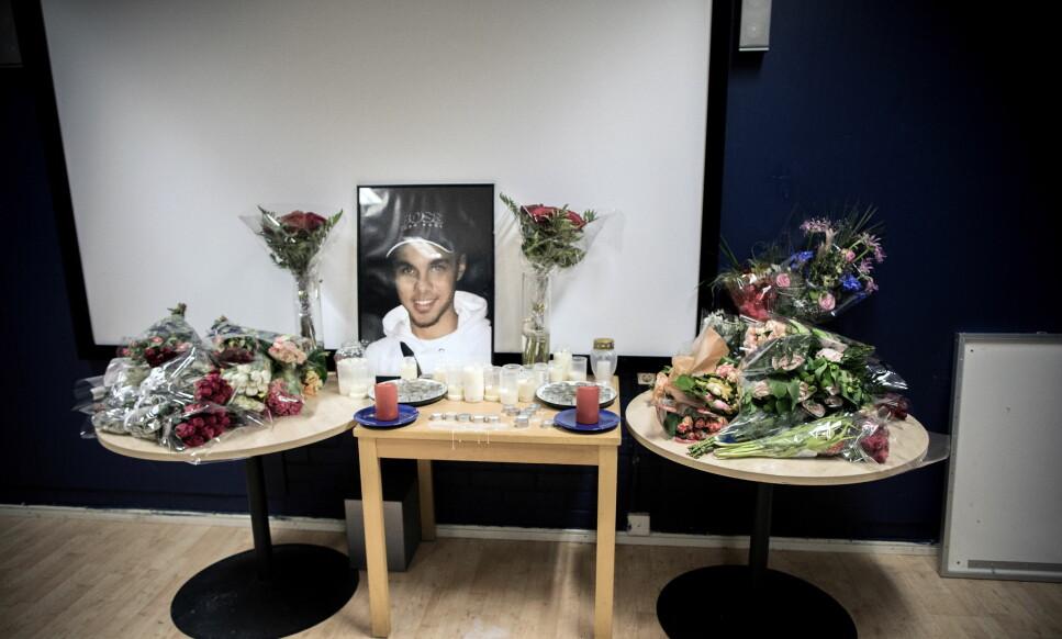 SKUTT I HODET: Yonathan (20) ble skutt og drept i en bil i Kista. Noen dager etter ble det holdt minnestund på ungdomsklubben hvor han pleide å henge. Foto: Tomm W. Christiansen / Dagbladet