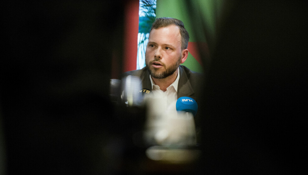 EVAKUERT: Sv-leder Audun Lysbakken var en av 12 personer som måtte evakueres i forbindelse med den voldsomme brannen i Bergen sentrum natt til søndag. Foto: Fredrik Varfjell / NTB scanpix