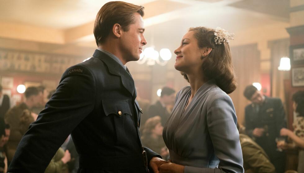 VILLE RYKTER: Like etter at nyheten om at Brad Pitt og Angelina Jolie skulle gå hver til sitt sprakk, ble han fort koblet til den franske skuespilleren Marion Cotillard. De to spiller i filmen «Allierte» sammen. Foto: Splash News, NTB scanpix