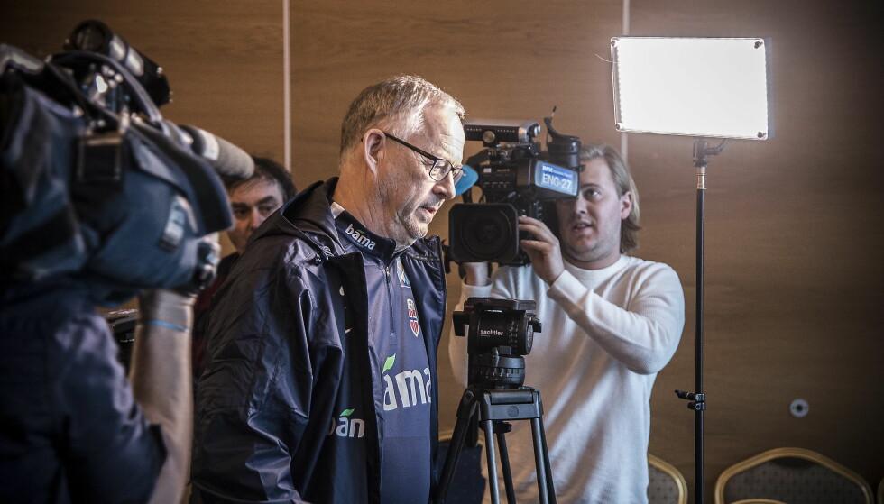 LONDON: Lars Lagerbäck pressekonferanse i forbindelse med landslaget i fotball sitt møte med Nord-Irland til helga.  Foto : Hans Arne Vedlog  / Dagbladet