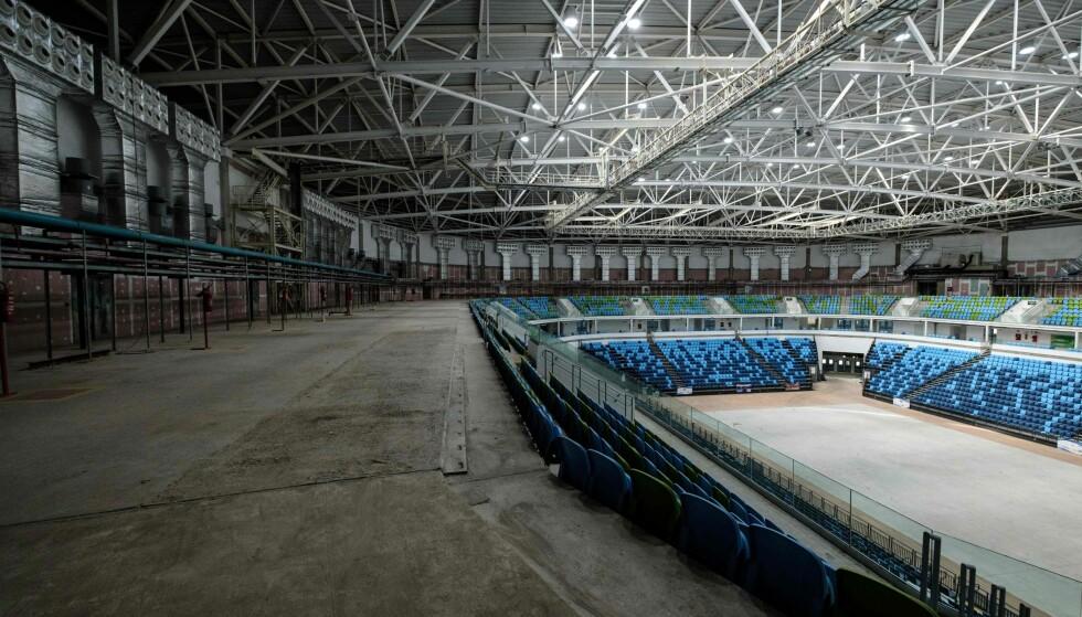 FORFALLER: Arenaene i Rio forfaller en etter en. Her er Carioca Arena 1, der det ble arrangert basketkamper. Foto: AFP PHOTO / Yasuyoshi Chiba / NTB Scanpix