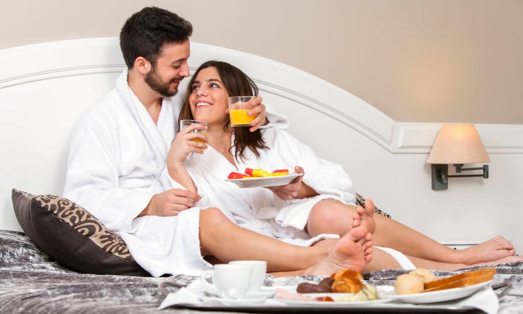 SLÅR ET SLAG FOR FORHOLDET: En svensk hotellkjede har så stor tro på at ei avslappende pause fra stresset i hverdagen og desto mer fokus på den andre parten i et parforholdet vil skape ny gnist i relasjonen at de tilbyr garanti mot skilsmisse i et år. Foto: Shutterstock / NTB Scanpix