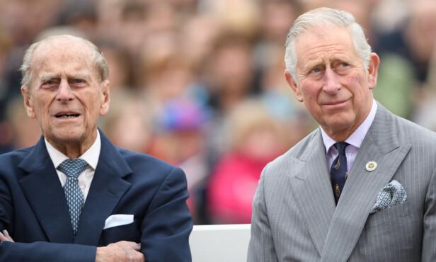 TRUSSEL?: Ifølge boka skal prins Philip (t.v.), faren til prins Charles, nærmest har truet sin egen sønn til å gifte seg med Diana Spencer. Her Her er far og sønn avbildet sammen i 2016. Foto: Rex / NTB scanpix