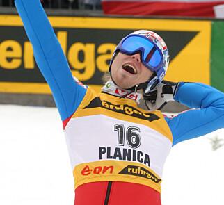 LYKKE: Bjørn Einar Romøren satte ny verdensrekord på 239 meter i Planica i 2005. Foto: NTB Scanpix
