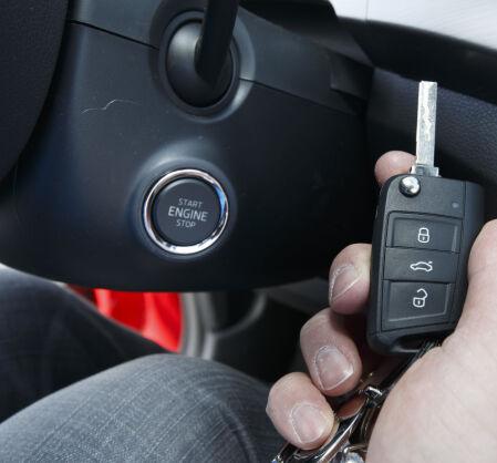 OSLO  20150324. Biltest av Hyundai i20 og Skoda Fabia. Bilnøkkel. Bilåpner. Foto: Heiko Junge / NTB scanpix