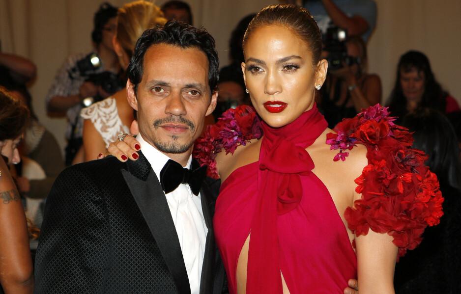 MUSIKKPAR: Marc Anthony (48) og Jennifer Lopez (47) var gift i ti år, før de gikk hvert til sitt for tre år siden. Her i 2011. Foto: Mike Segar / Reuters / NTB Scanpix
