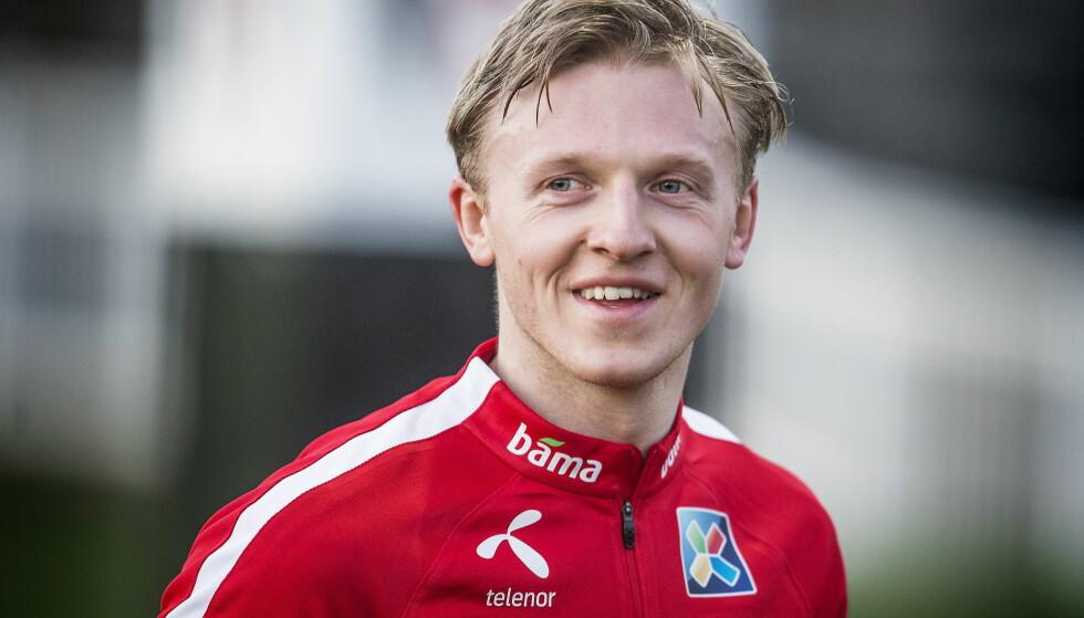 LIVET SMILER: Mats Møller Dæhli koser seg på trening med landslaget i London. Foto : Hans Arne Vedlog  / Dagbladet  -