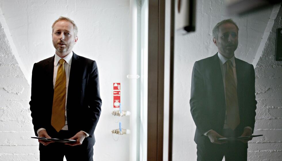FØLER URO: Bård Vegar Solhjell har skrevet bok om framtidas politiske utfordringer.  Foto: Torbjørn Katborg Grønning