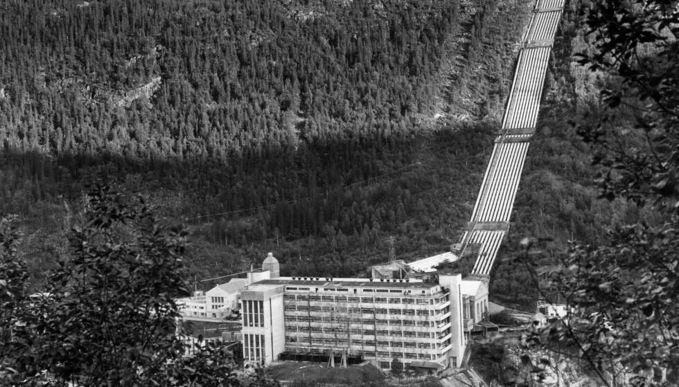 VINTERFORTET: Vemork Kraftverk, fotografert før sabotasjeaksjonen i februar 1943. Foto: NTB SCANPIX / Erik Thorberg